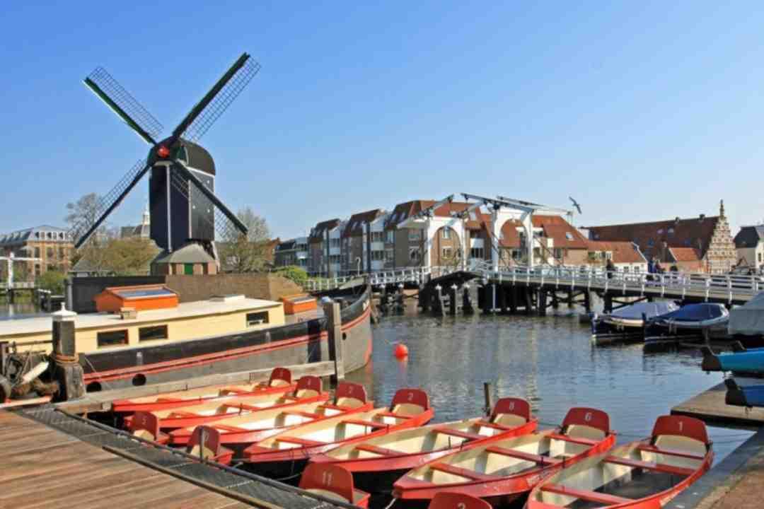 Escort Service Leiden